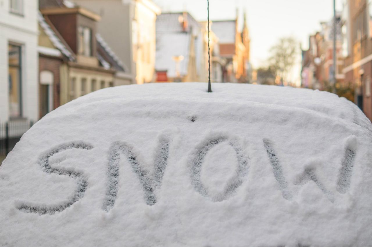 【アメリカで車の運転】冬の事故や故障で入れておくべき緊急グッズ