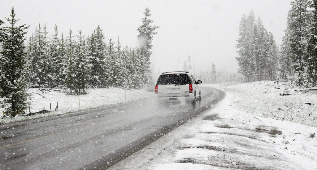 【アメリカで車の運転】冬の事故や故障・体験談と実際にするべき行動