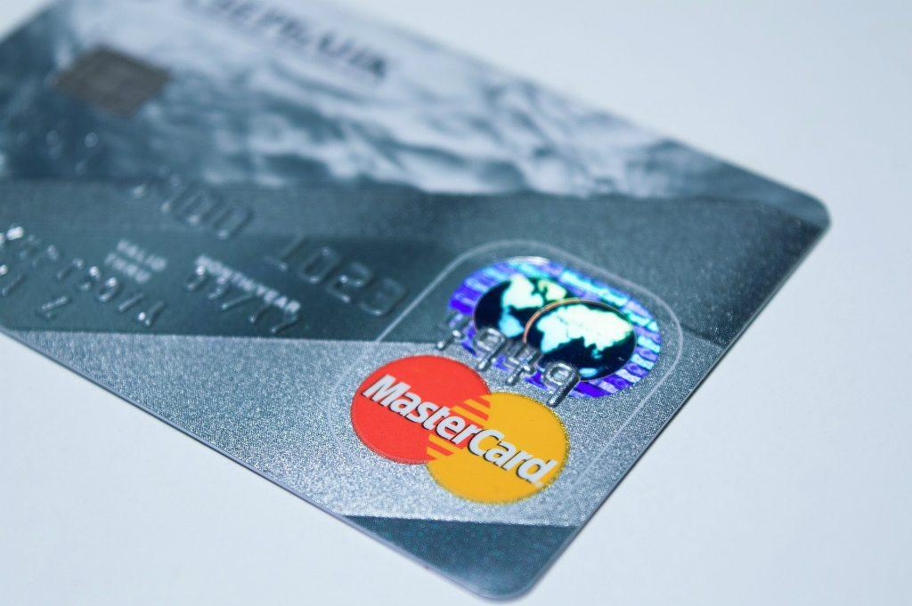 アメリカで奥さんが本人クレジットカードを作る方法・まとめ