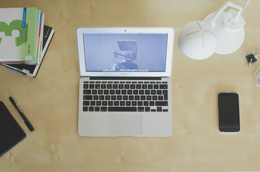 ブログ初心者収入や収益も教える・330日経過した今のPVと収益