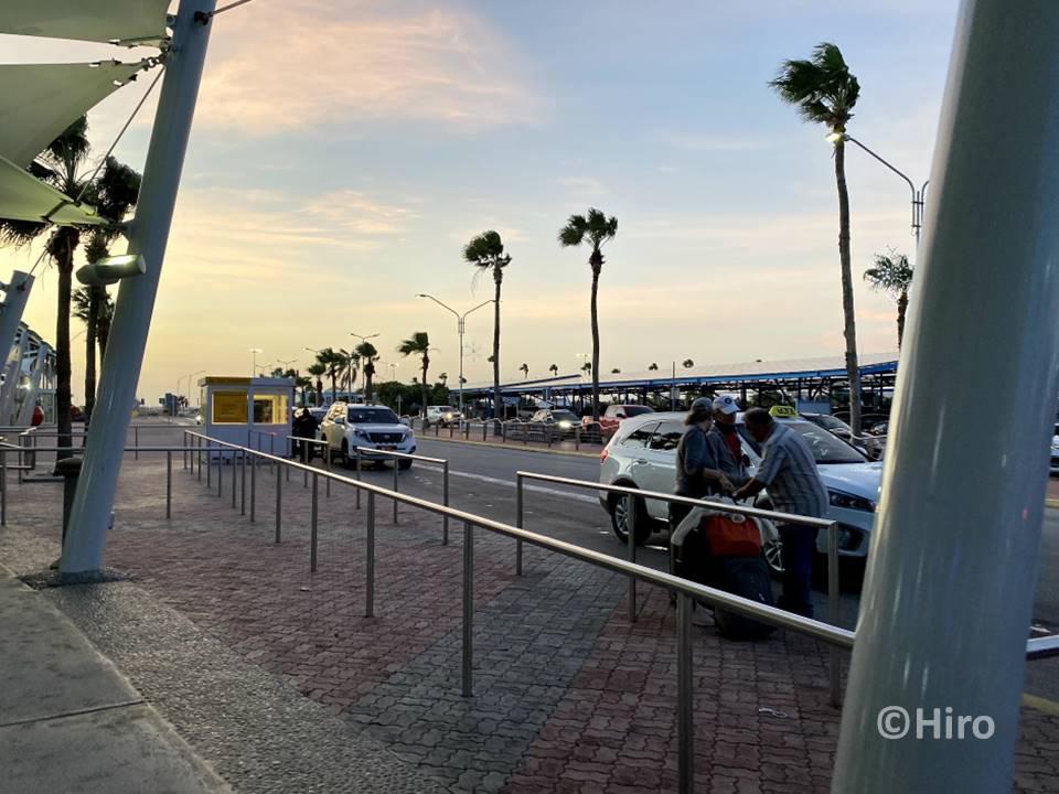 【Aruba(アルバ)旅行】カリブ海の島・空港からの移動手段について